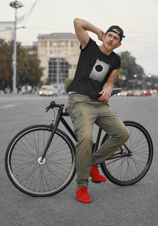 Meeste unisex T-Särk tshirt must black minimal Minimalistlik eesti disain blacksunset_result