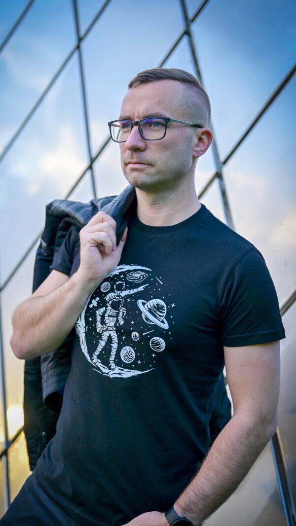 Meeste t-särk must kosmos BlackSunset eesti disain